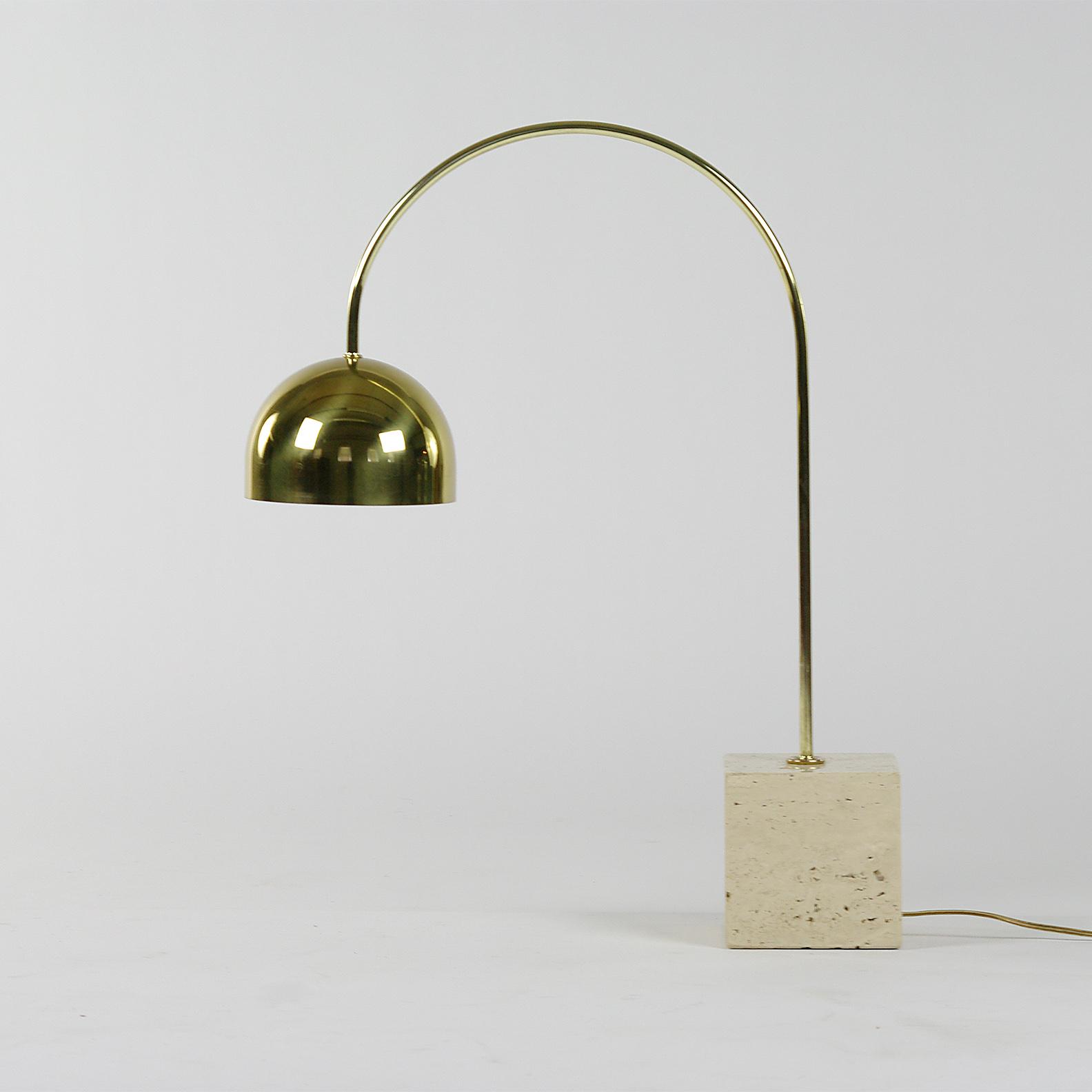 Guzzini-lamp-1.jpg