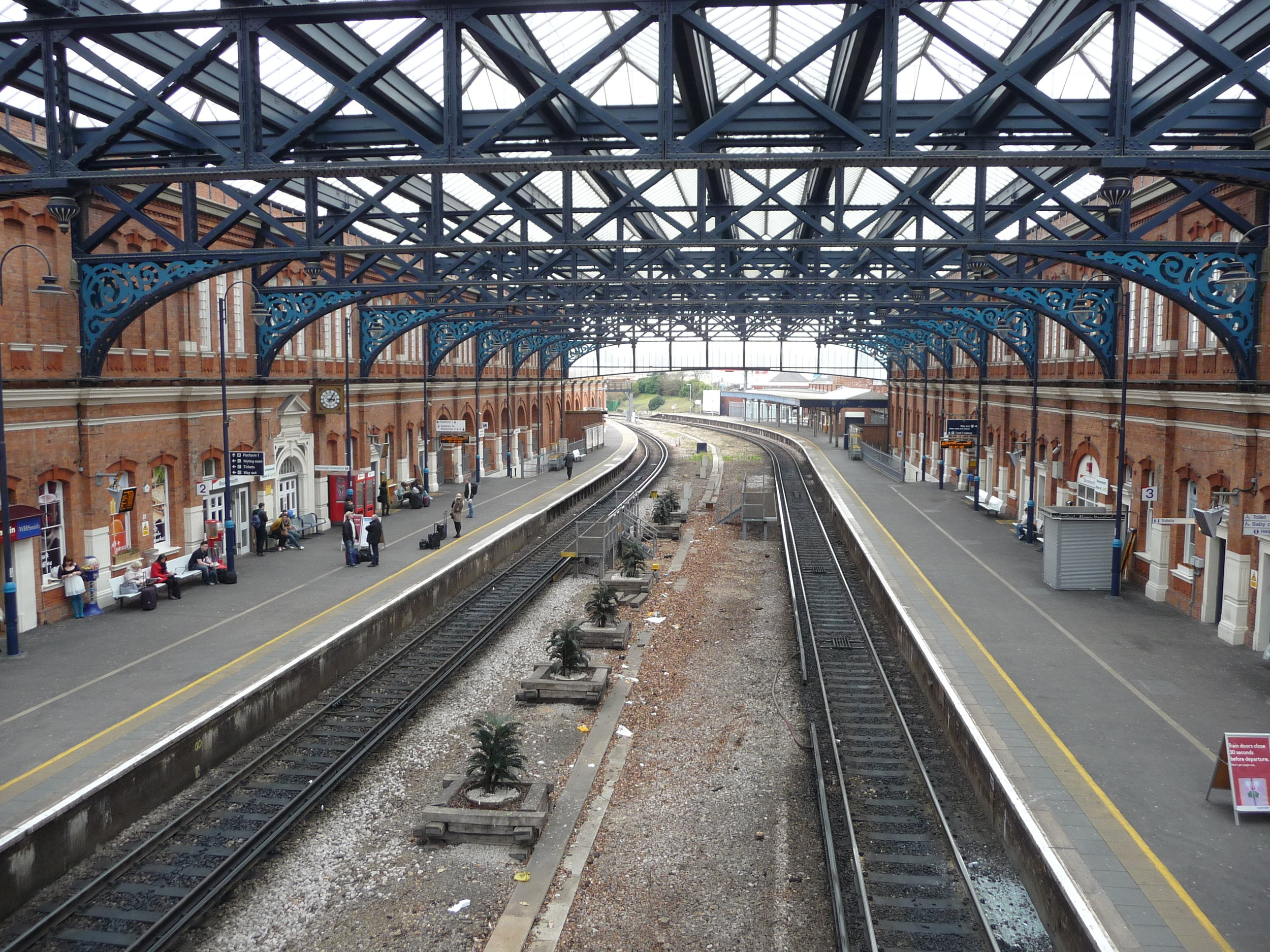 Bournemouth Train Station.jpg