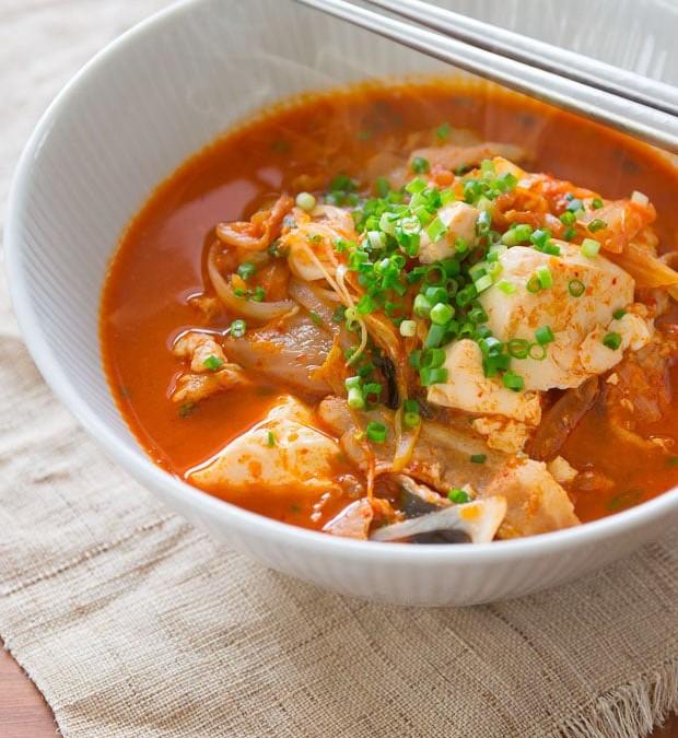Kimchi-jigae.jpg