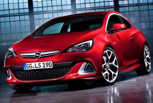2013 Opel Astra Sedan.jpg
