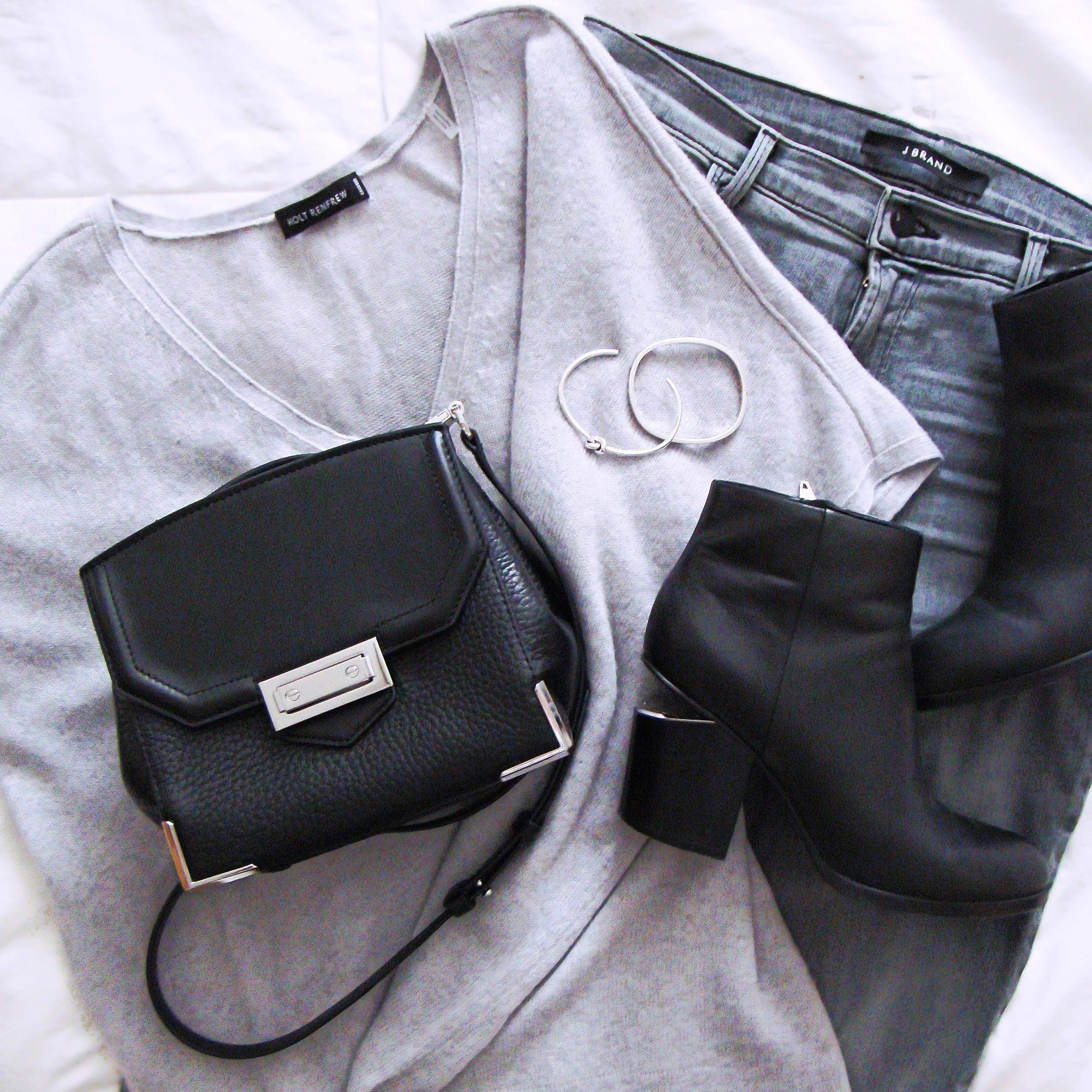 Denim, Knits & Leather - MojoMusing...