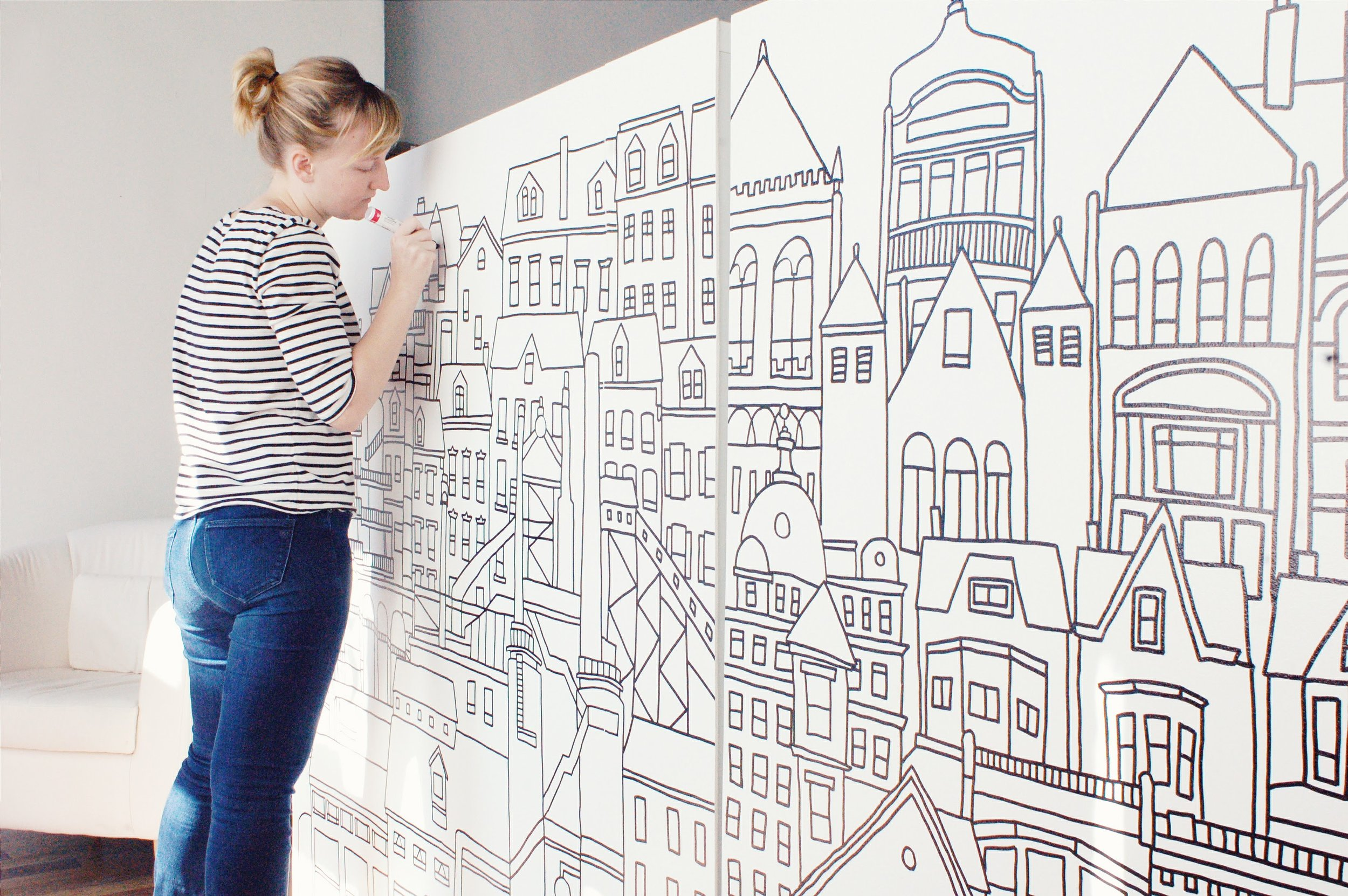 Mural depicting Pittsburgh buildings, old and new.jpg