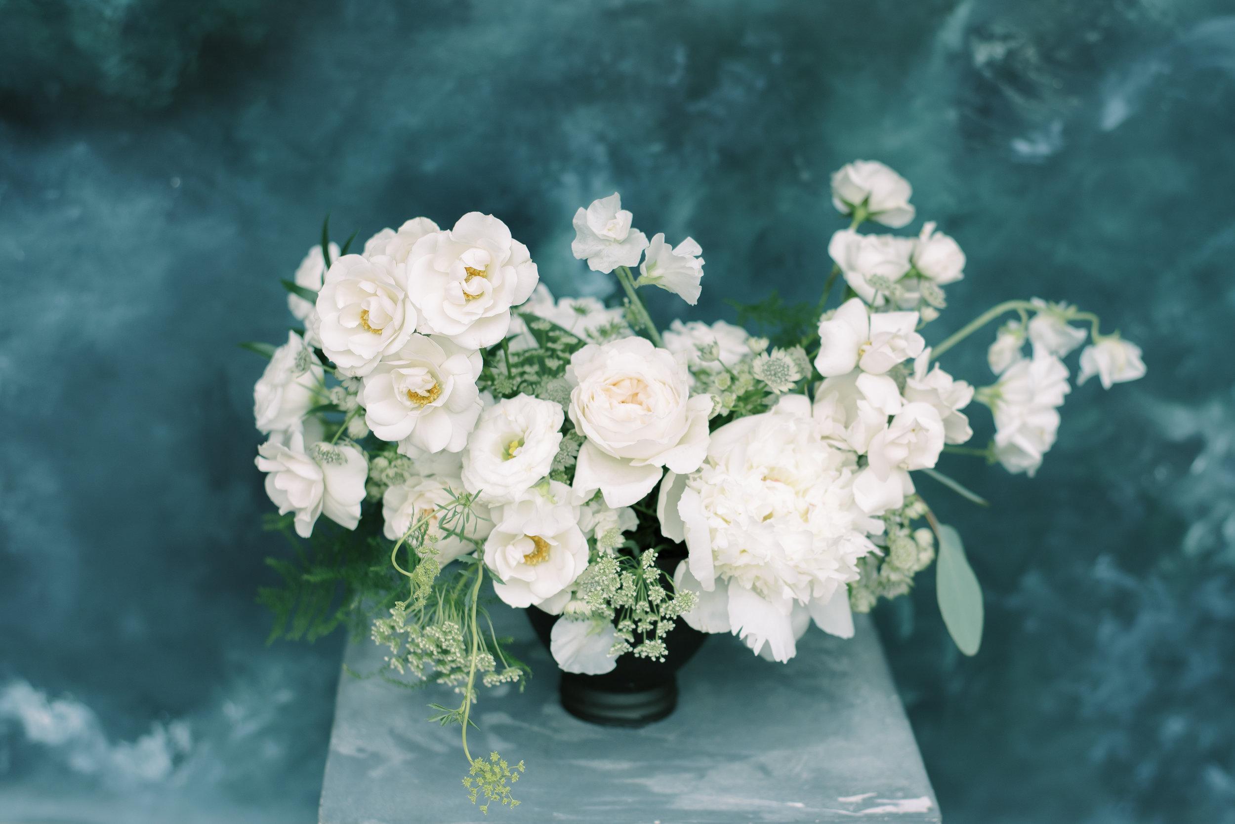 roots-floral-design-cincinnati-branding-photographer-laura-katie-photography-1.jpg