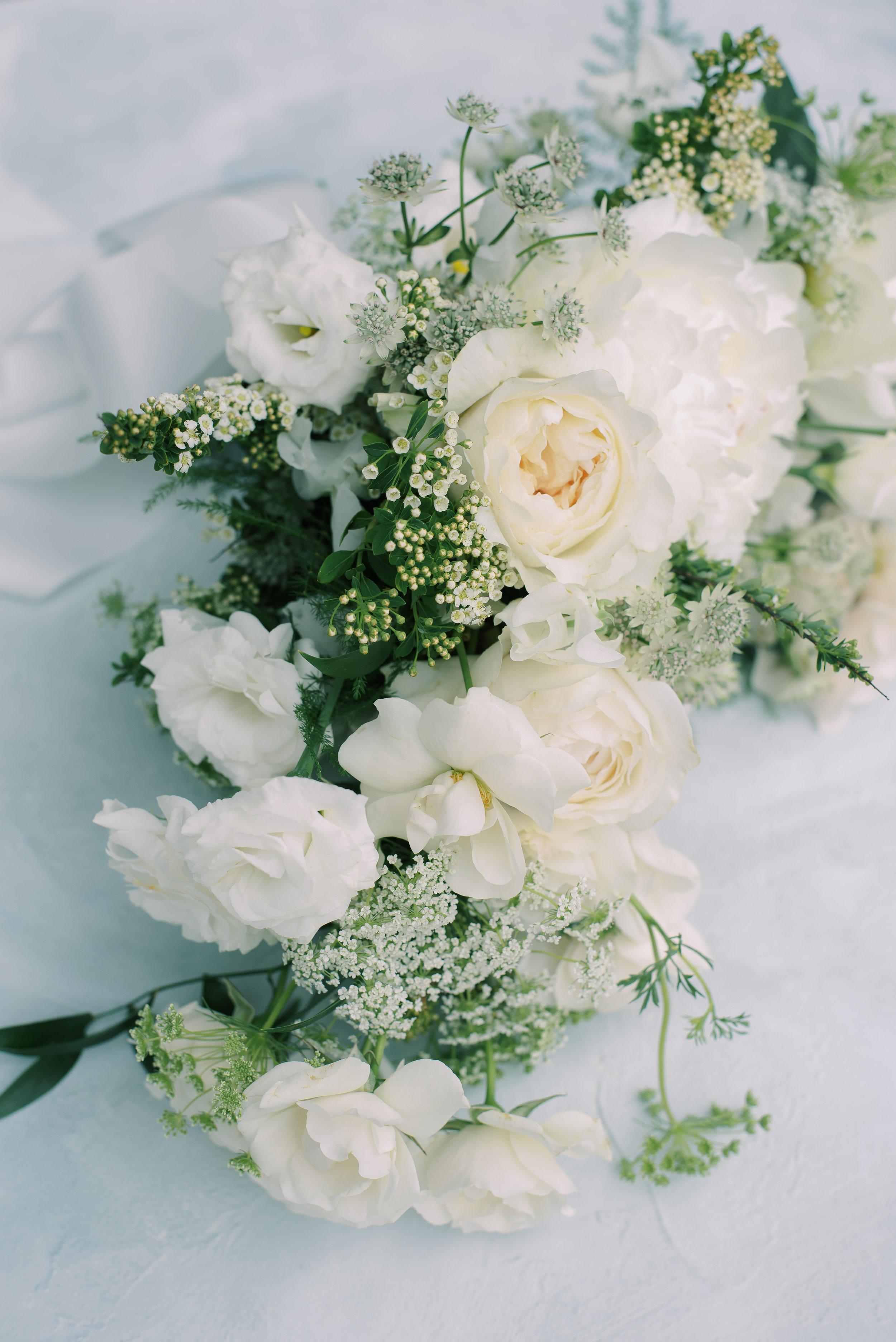 roots-floral-design-cincinnati-branding-photographer-laura-katie-photography-27.jpg