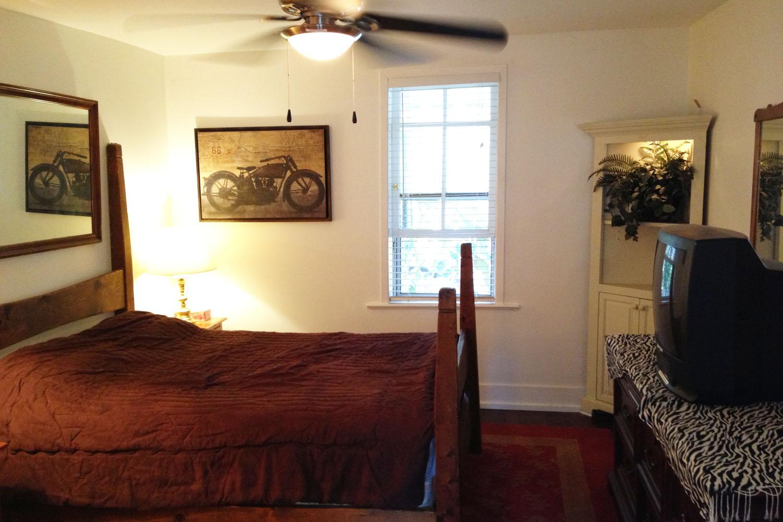 Oasis_Bedroom_1.jpg