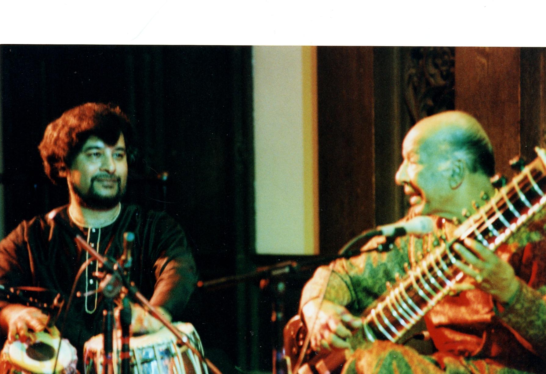 Khansahab playing - a dramatic moment (1).JPG