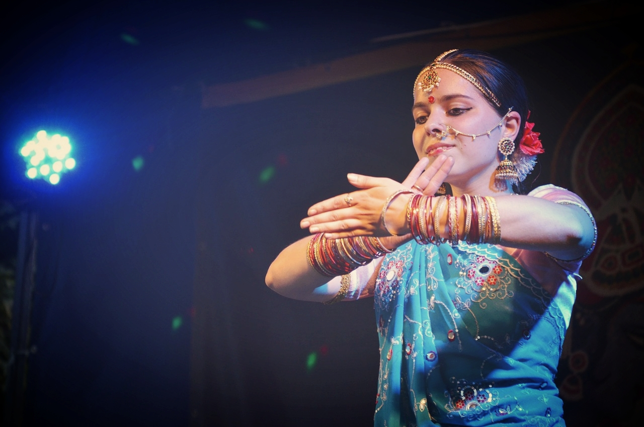 Gift classes inTabla, Vocal, Sitar,Bansuri, Santoor,Bharatanatyam or Kathak. -