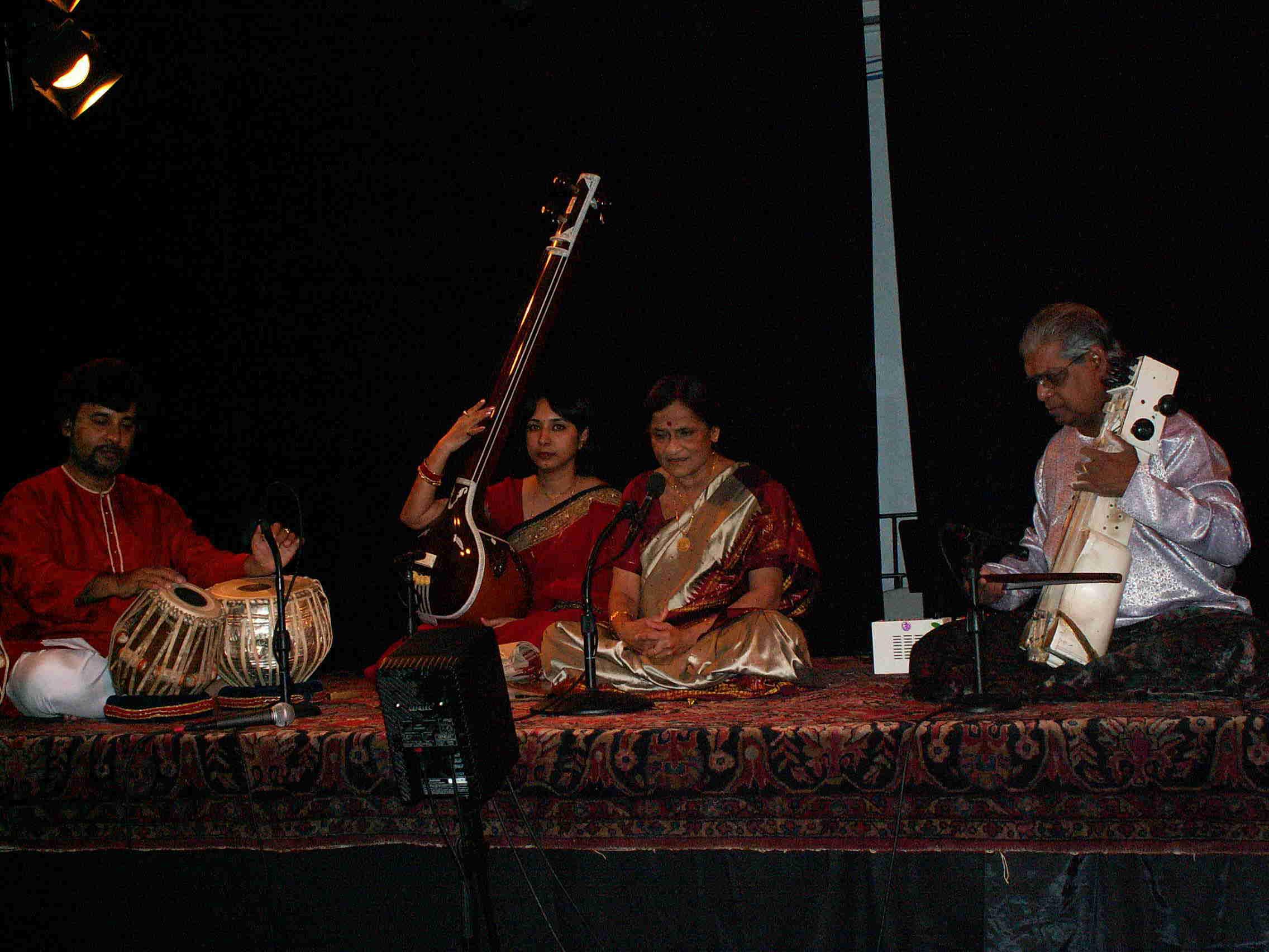 PurnimaChoudhuri(vocal),SamirChatterjee(tabla),RameshMisra(sarangi),SwagataChakraborty(tanpura).JPG