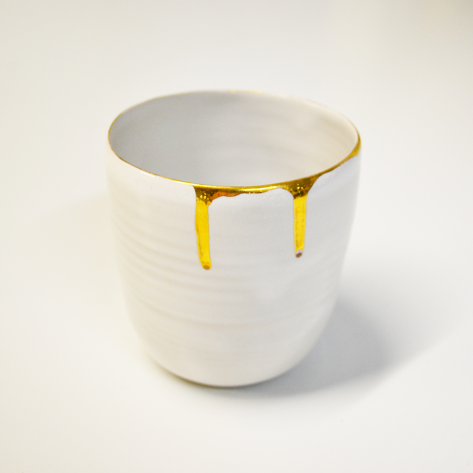 Liquid gold -tableware