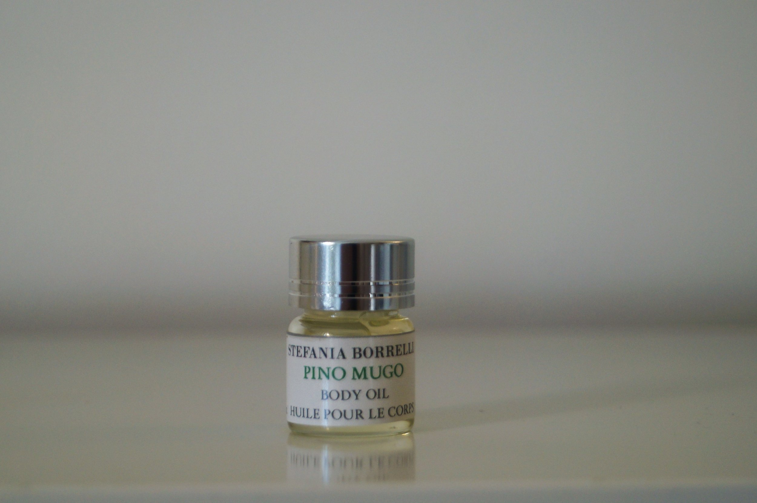 PINO MUGO (Dwarf Pine) from Trentino -Alto Adige  Aroma: Soft, pleasant, woody, green, sweet,resinous-coniferous bouquet with a delicate balsamic-nutty undertone