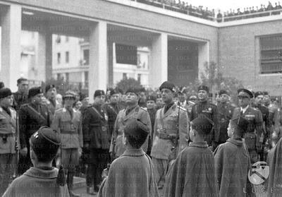 MUSSOLINI DURING THE INAUGURATION OF THE SCHOOL
