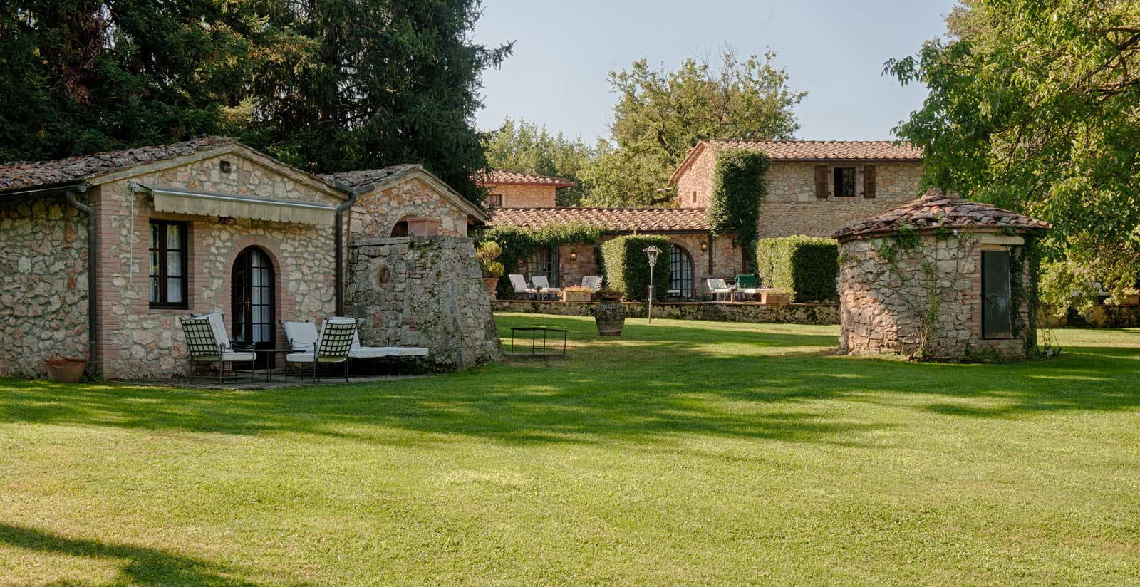 LIVING IN A BORGO - EXPLORE YOUR TUSCAN DREAM