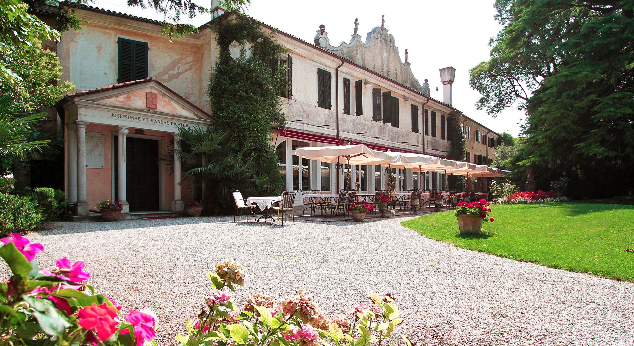 FRIULI VENEZIA GIULIA -    VILLA LUPPIS    HISTORIC HOUSE HOTEL