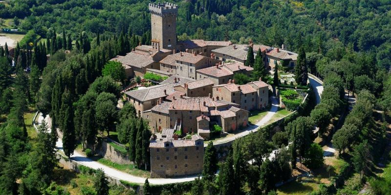 TOSCANA -    CASTELLO GARGONZA    HISTORIC HOUSE