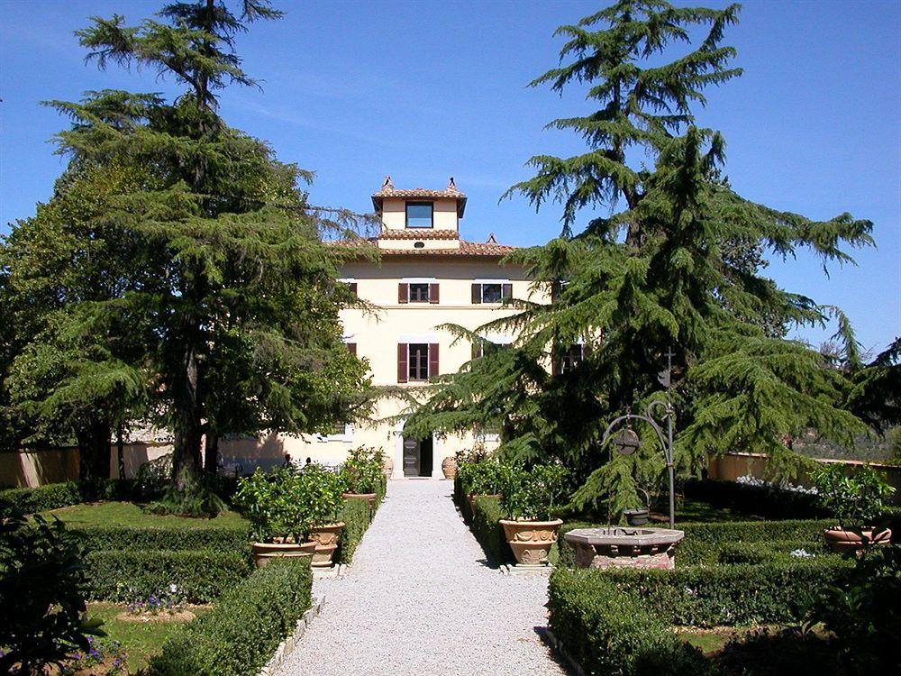 UMBRIA -    VILLA MONTE SOLARE     HISTORIC HOUSE HOTEL & SPA