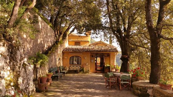 UMBRIA -    EREMO DELLE GRAZIE     HISTORIC HOUSE HOTEL