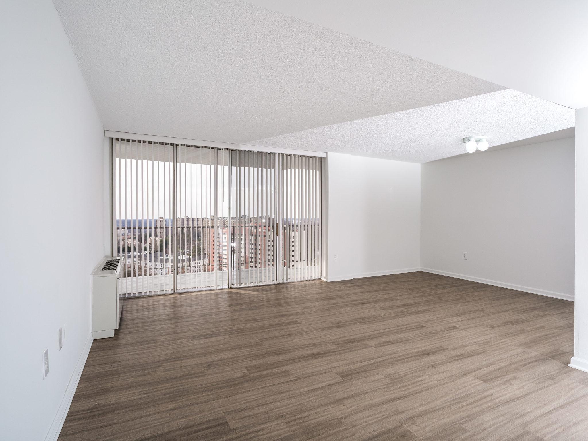 101 S Whiting St 1505-MLS_Size-001-11-LivingDining Room-2048x1536-72dpi.jpg