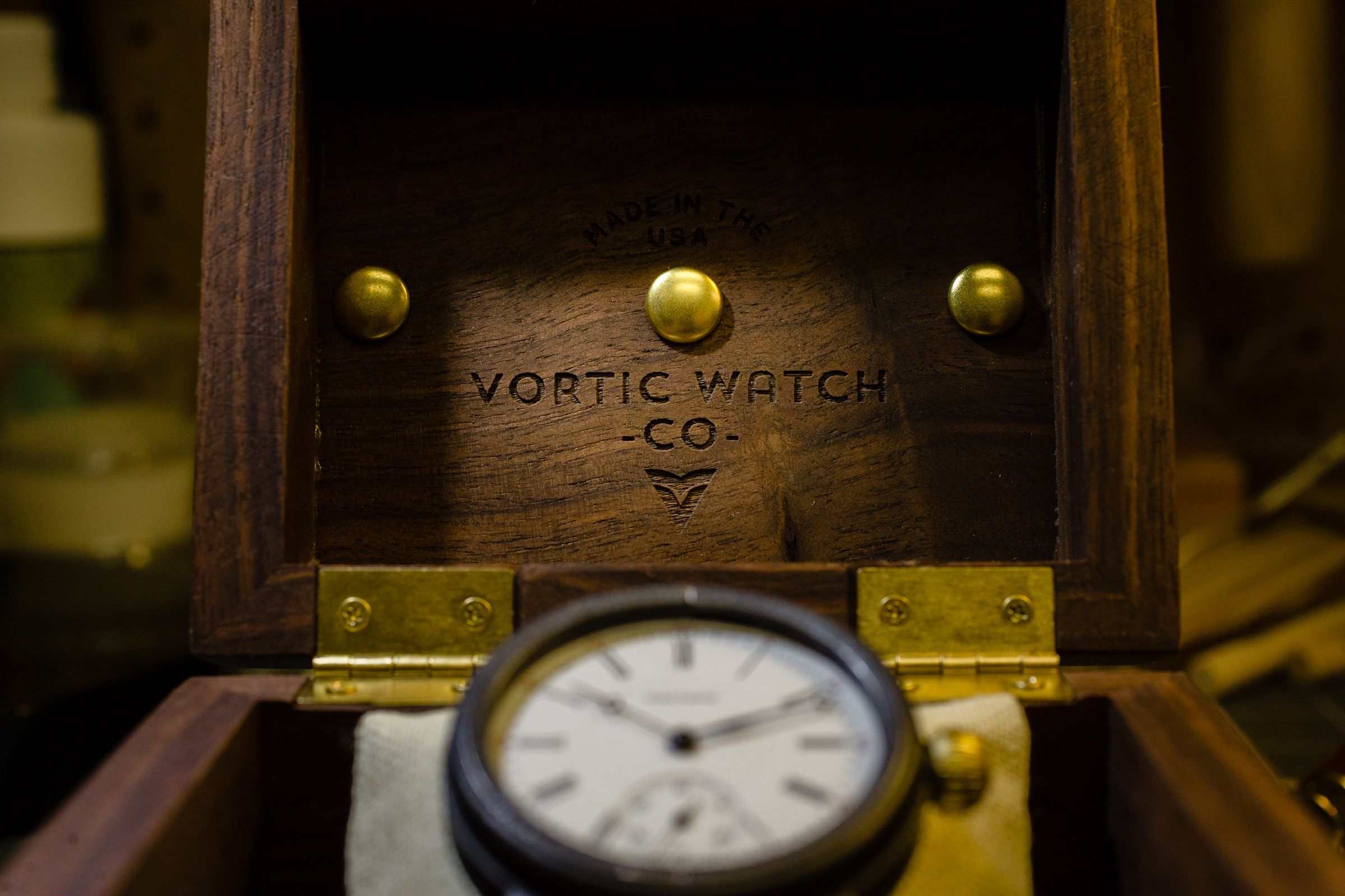 043.vortic-watch-co-creators-series.traverse.jpg