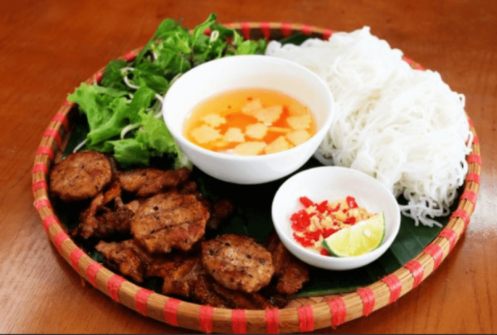 BÚN CHẢ (GRILLED PORK PATTIES WITH RICE VERMICELLI)