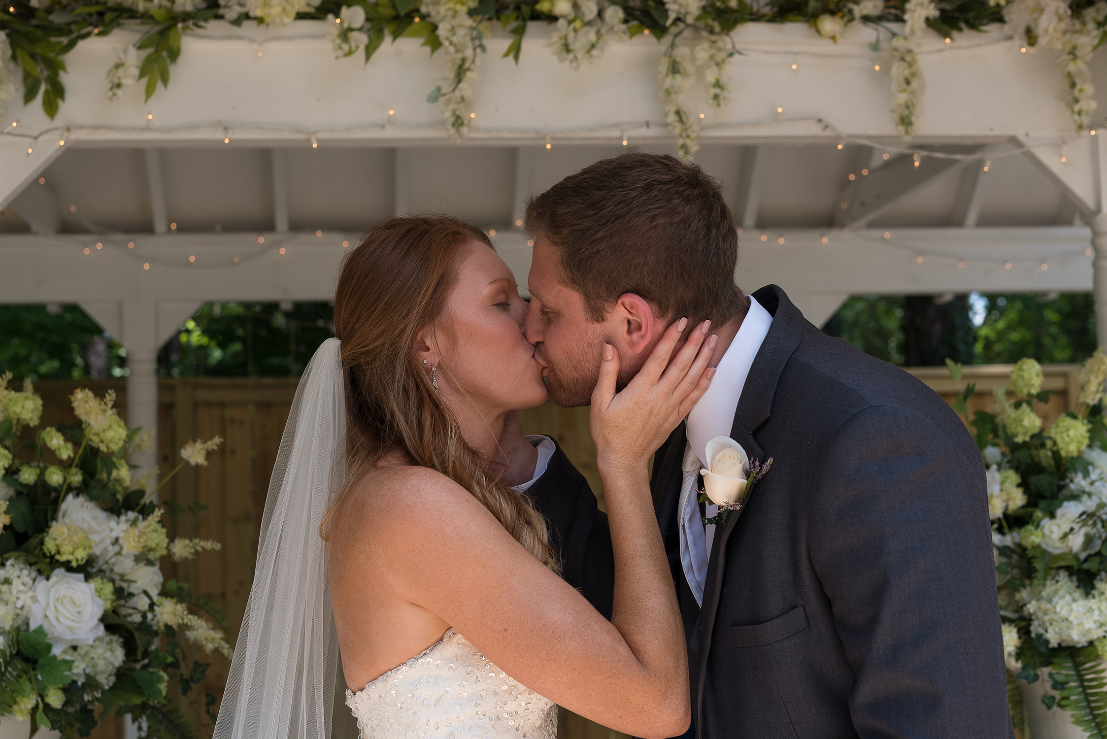 Atlanta Ga, First kiss as husband and wife