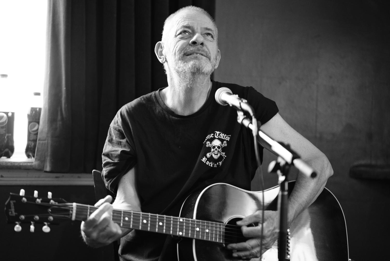 "Chris Wilson 'The Gentleman of Australian Blues"". R.I.P"
