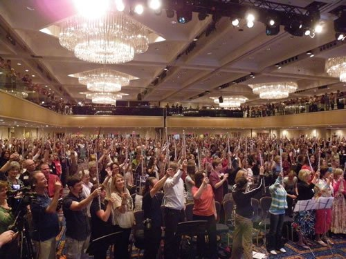 The biggest Flute Choir ever! 2000 Flutist on stage at the NFA Convention , New York