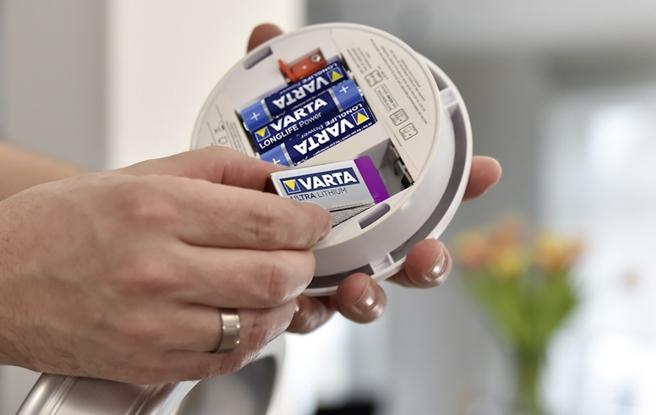 18_Varta-smoke-alarm-L-V-2018-03-2.jpg