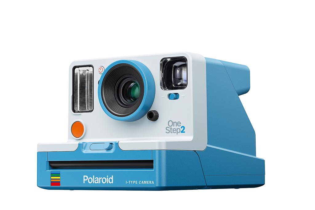 09_polaroid_PRD_009016_RGB_OneStep2 Blue_34Front-left-2500px.jpg