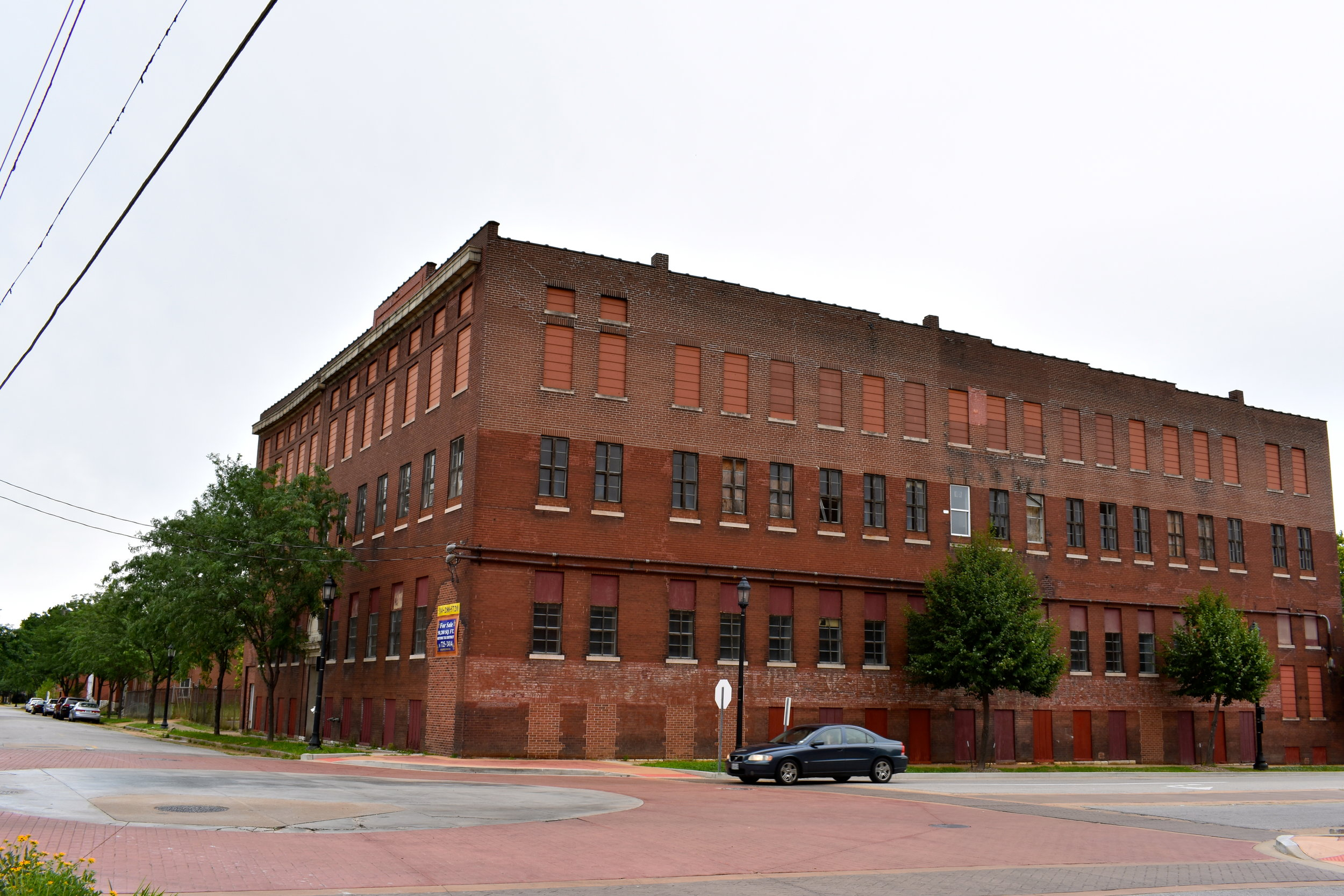 Bouras Mop Factory building sits idle at Park Avenue and Dolman Street