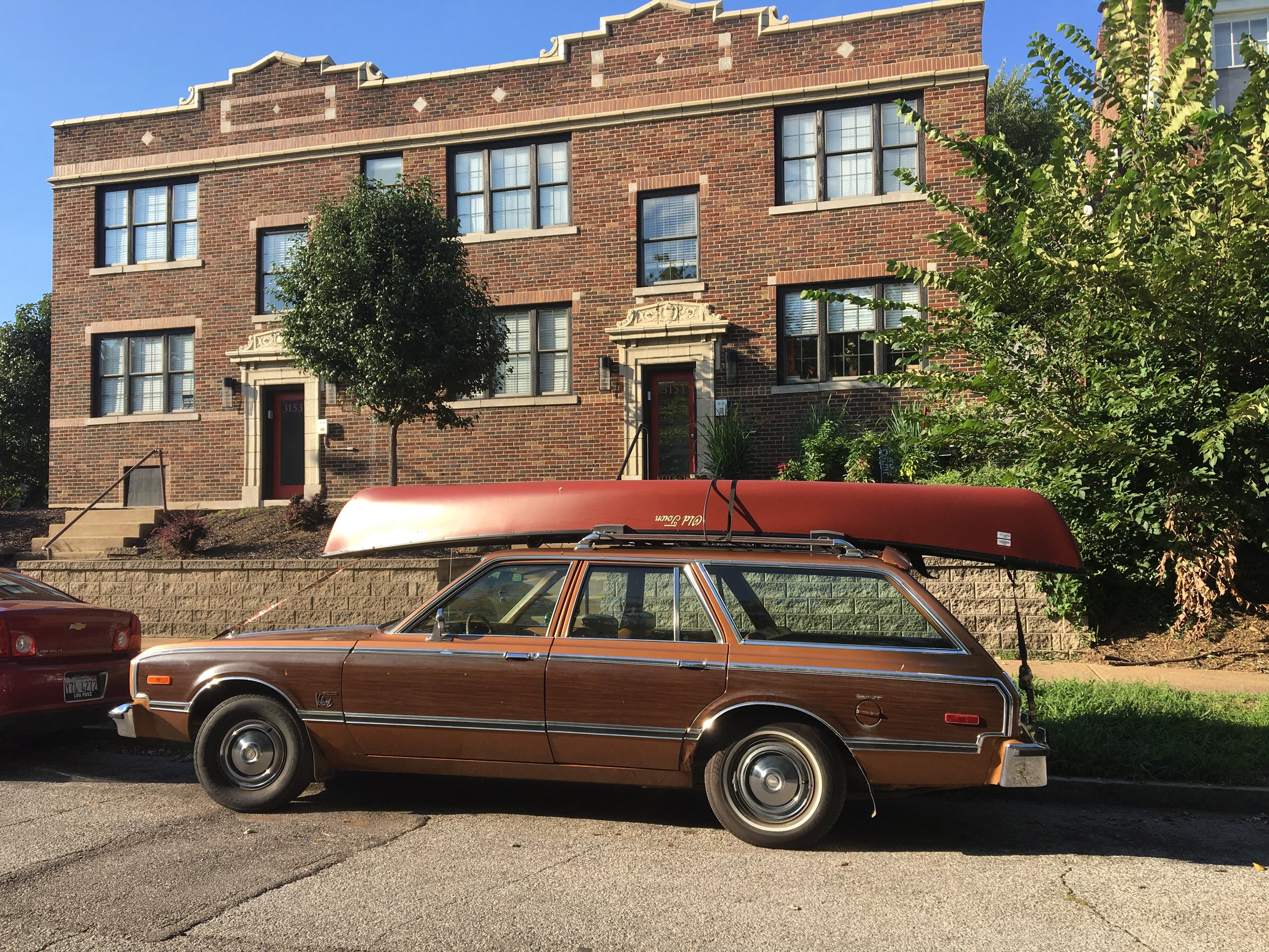 Wagonista - Brown on Brown
