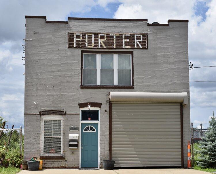 Hey porter, hey porter…
