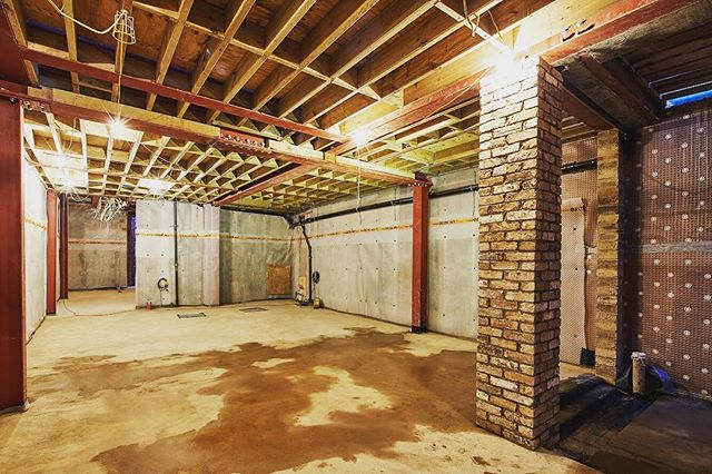 Basement structural works completed in Fulham. 2.8m head height and fully waterproofed. #construction #engineering #basement #structuralengineering #structure #steelwork #timber #concrete #brick #waterproof #deltamembrane #london #jonathanfashanudotcom #jf_projects jonathanfashanu.com