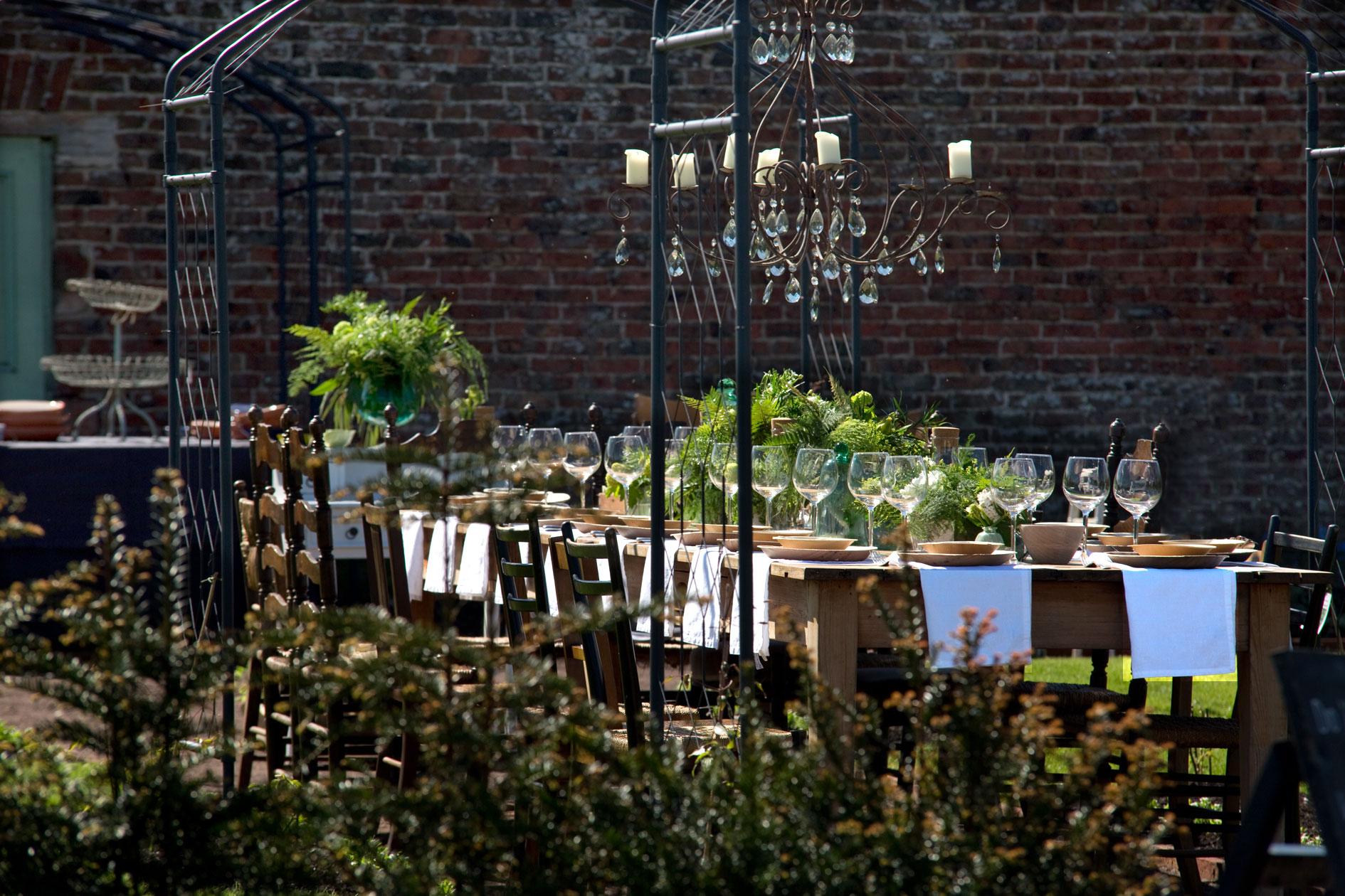 Lunch    In A Walled Garden