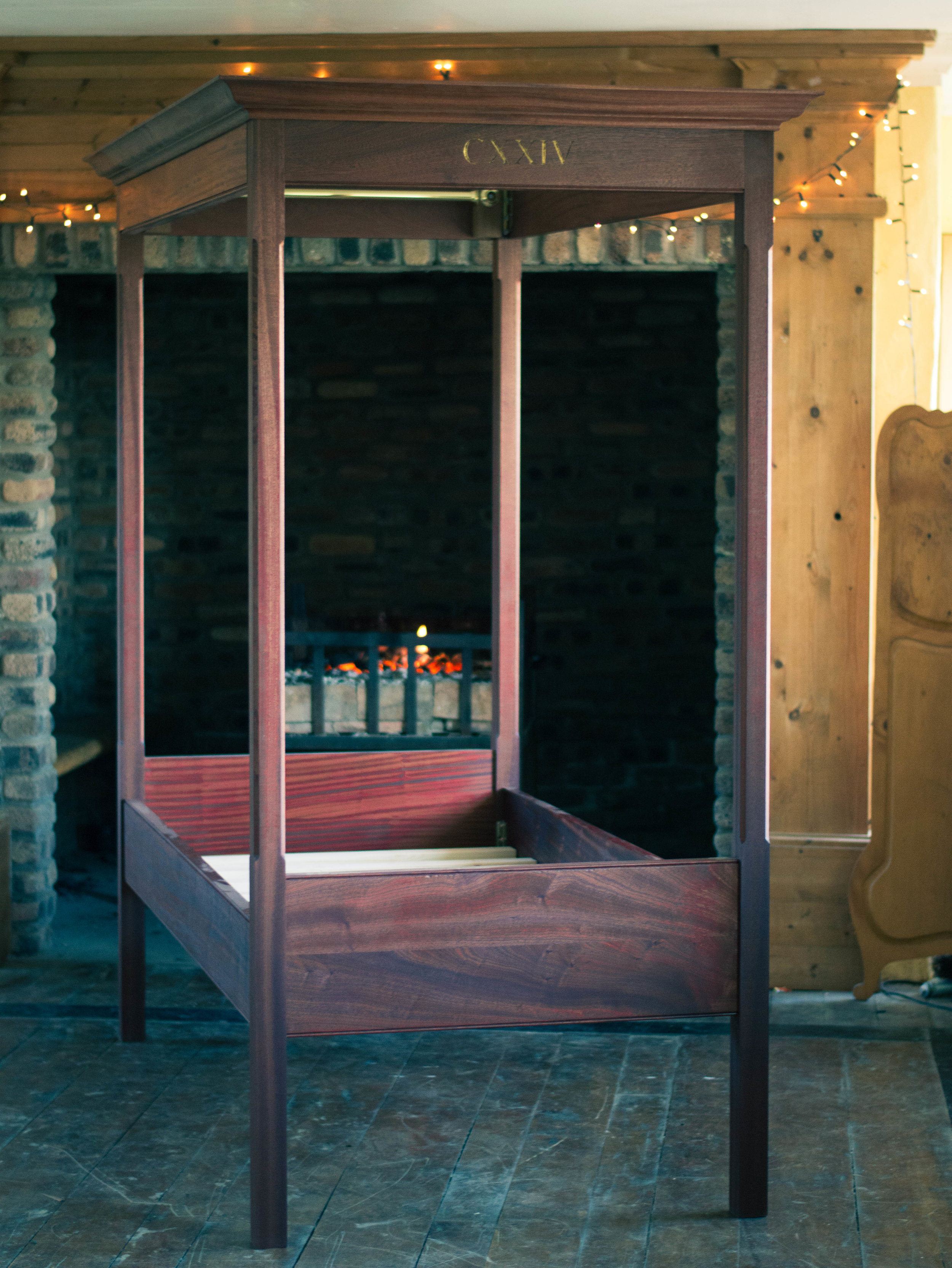 four poster bed 1.jpg
