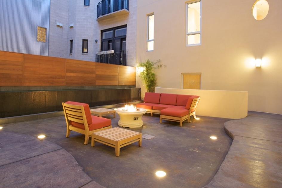 the-erie-courtyard_3258853209_o.jpg