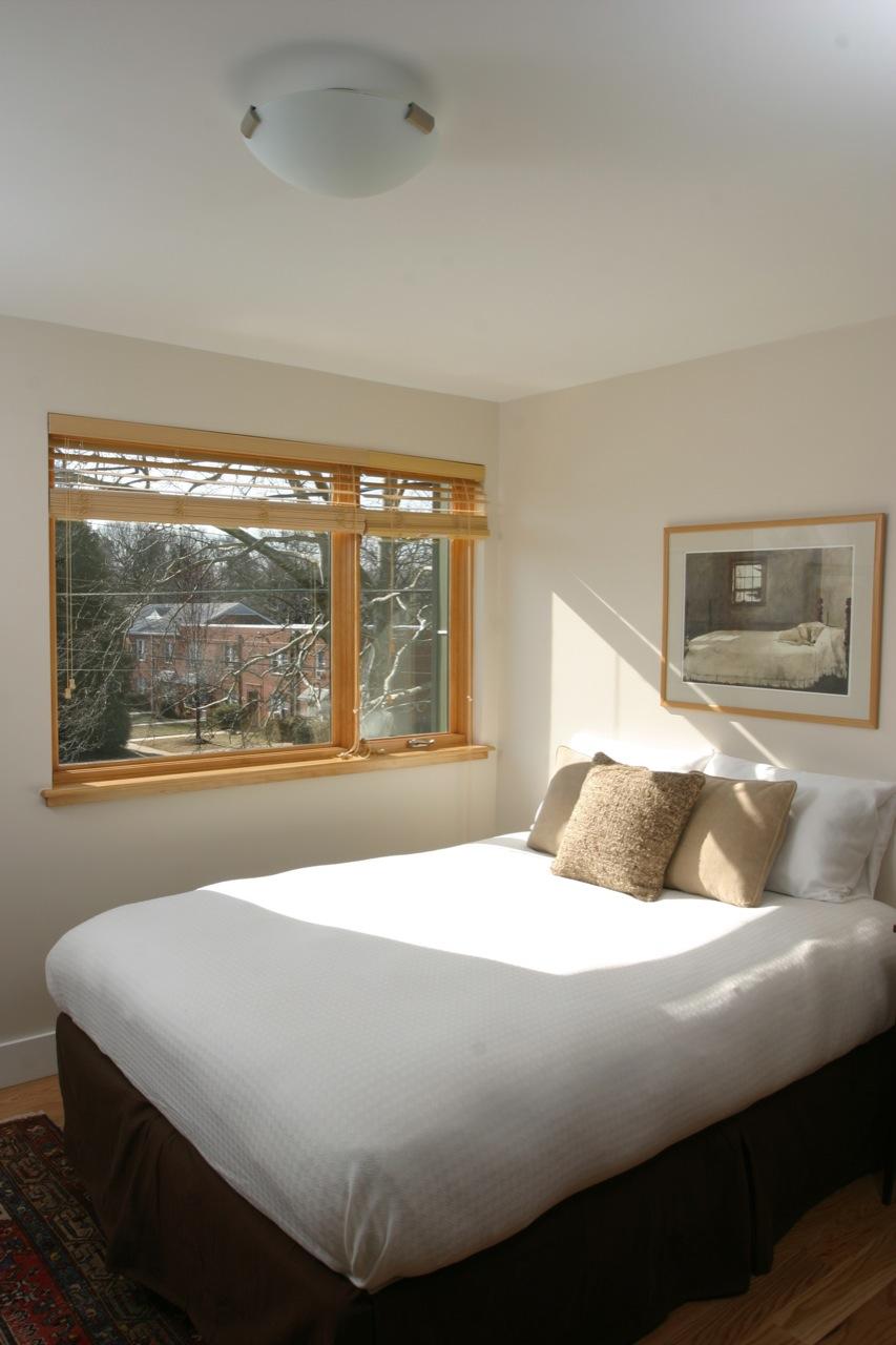 green-home---guest-bedroom_3258811267_o.jpg