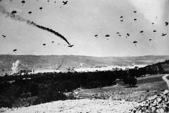 GERMAN PARATROOPERS LANDING IN CRETE, APRIL 1941