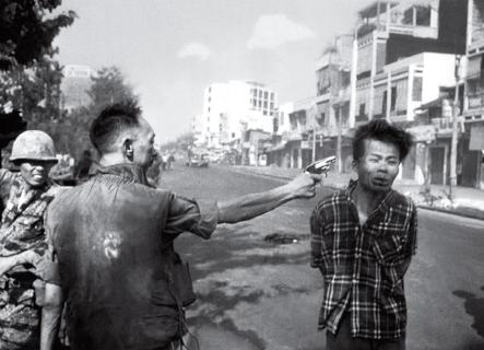 General Nguyen Ngoc Loan shooting a Viet Cong suspect, Saigon, 1968.