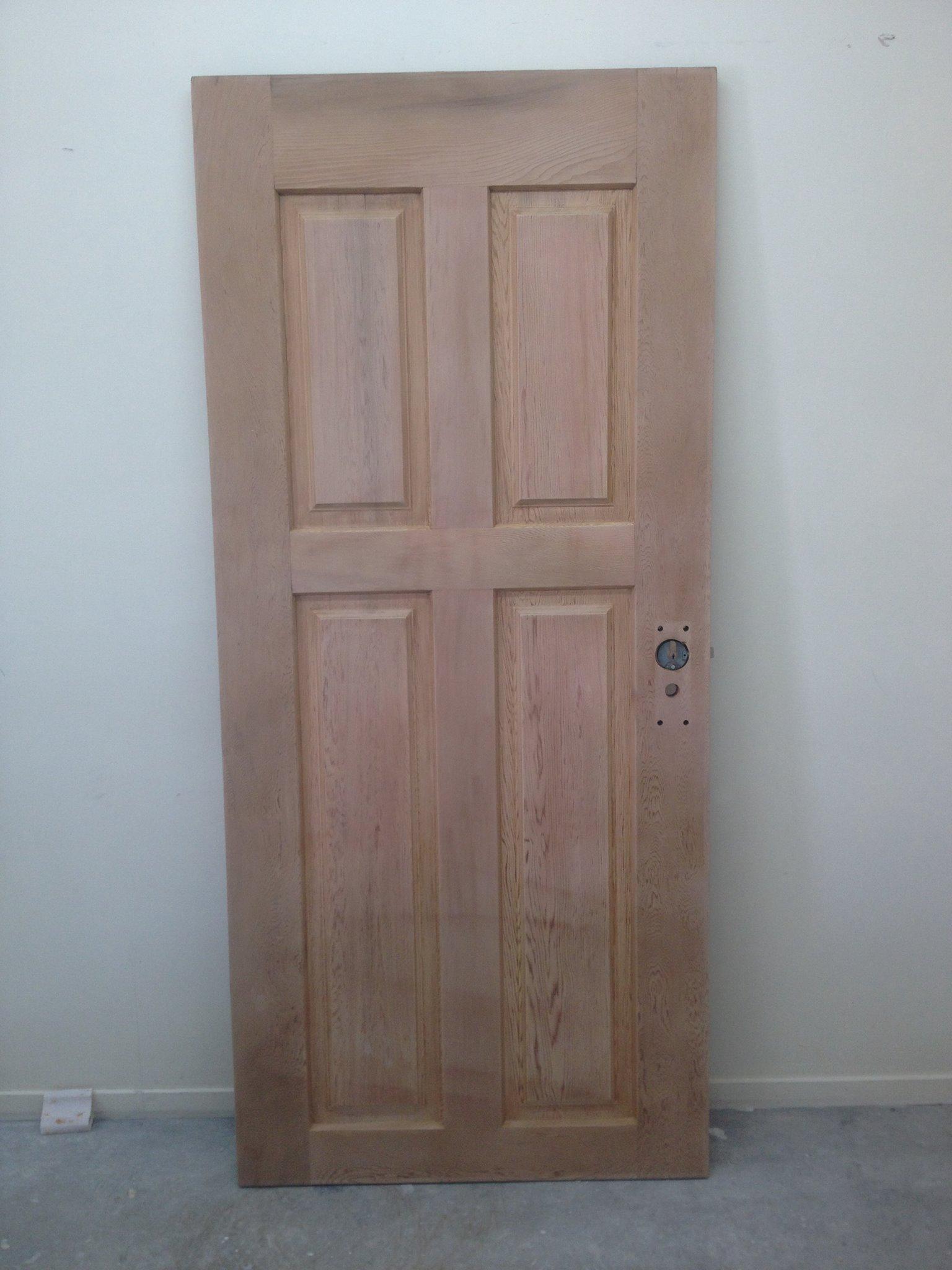 1410954_480575935395923_41414121_o during door.jpg