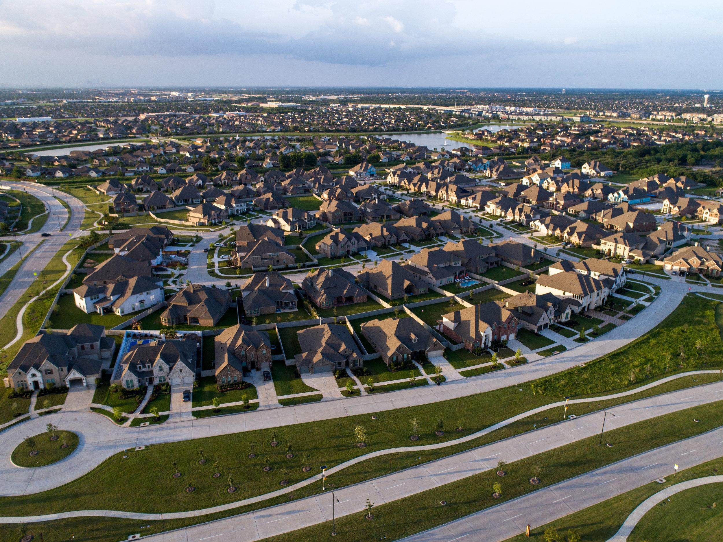 Pomona Lakes Residental Estates.jpg