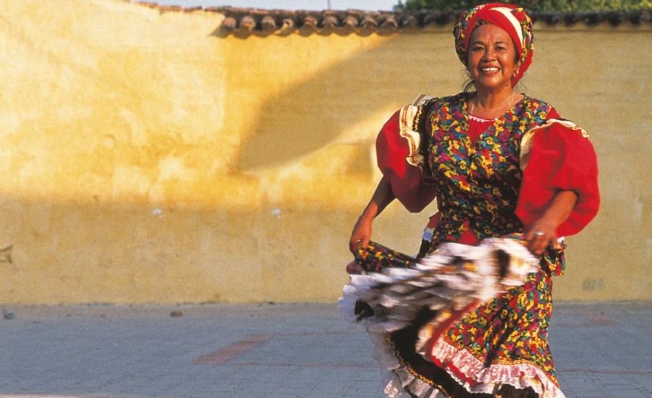 Soy la Cumbia: - A short history of Latinas in Cumbia.