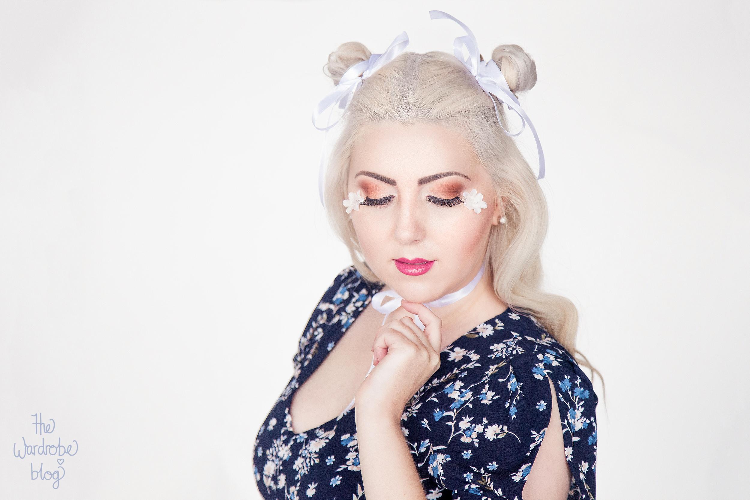 Pagani-Ribbons-Floral-White-Makeup