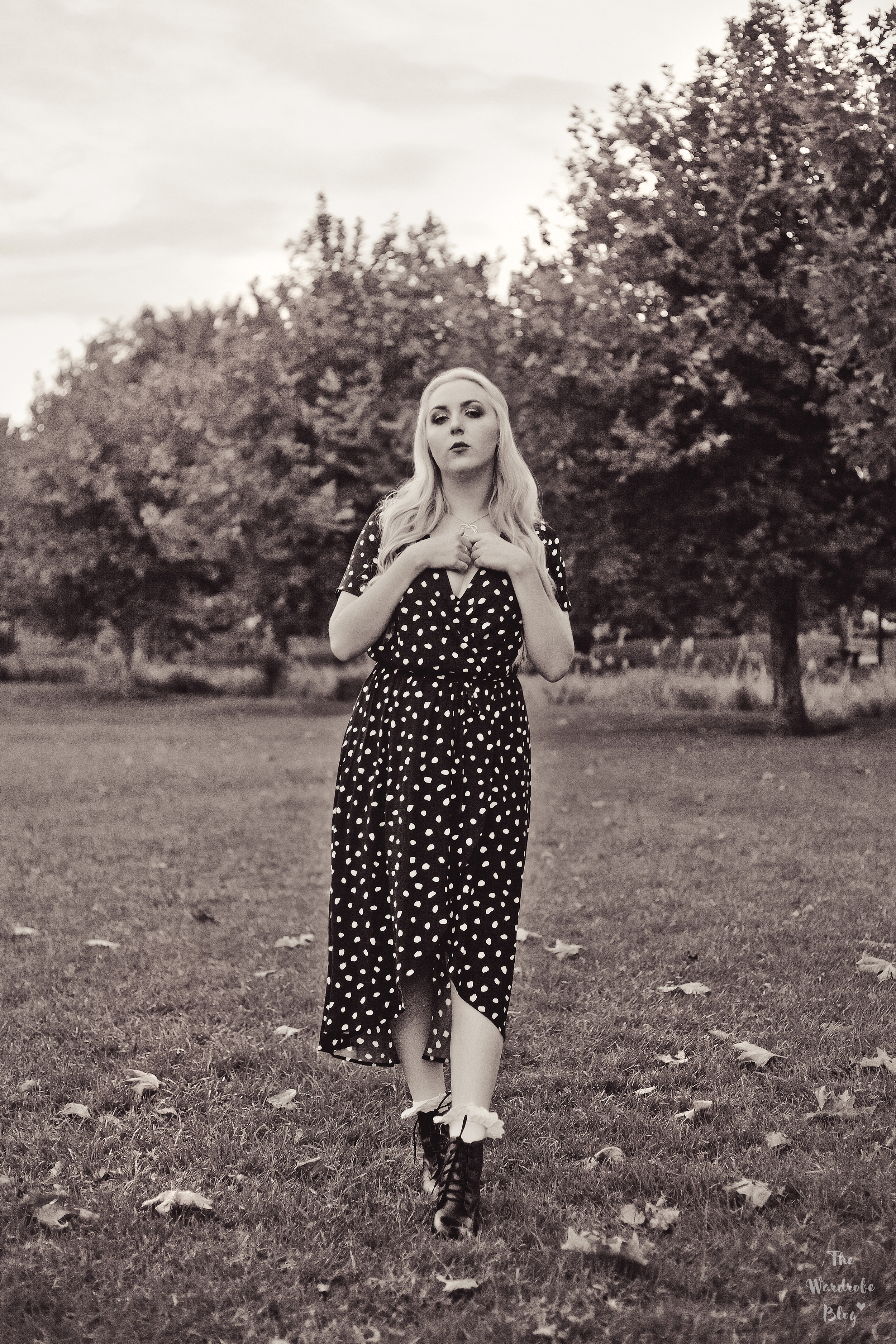 Autumn-Light-Black-White-Polka-Dot