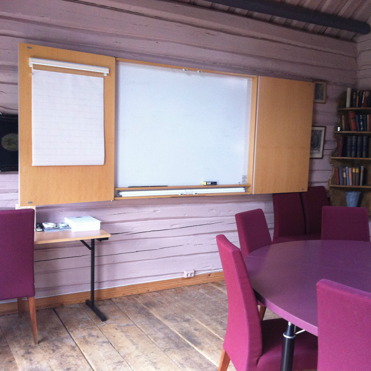 Storage-House-Meeting-Room-Kleivstua-History-Writing.JPG