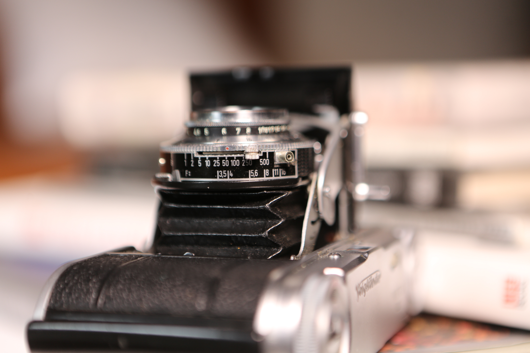aperture, shutter speed, and focussing ring on the vito ii