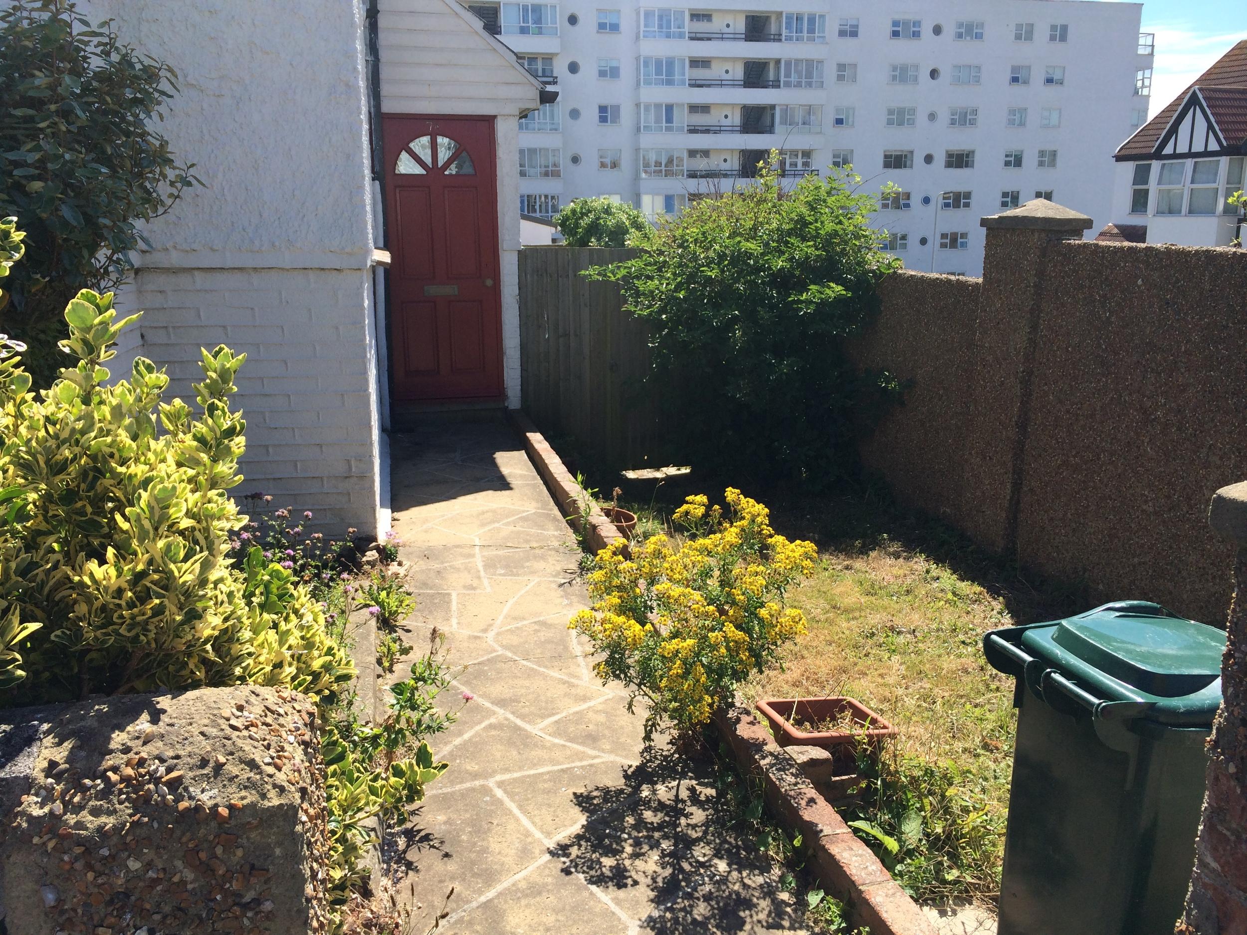2. Garden.JPG