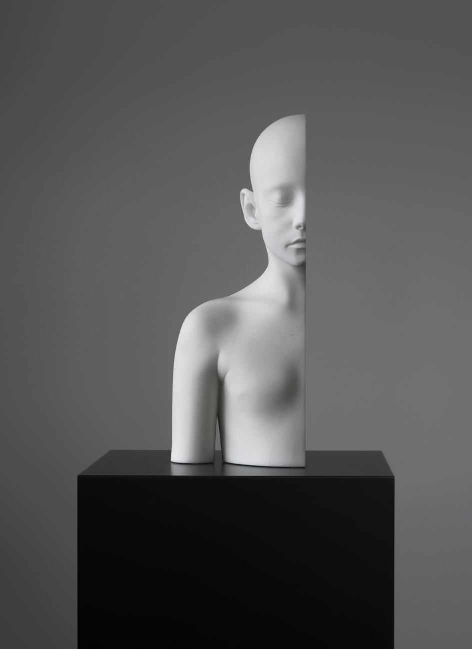 Half Girl (right), 2018, marble, 47 x 23 x 18,5 cm, edition of 3 + 2 AP.