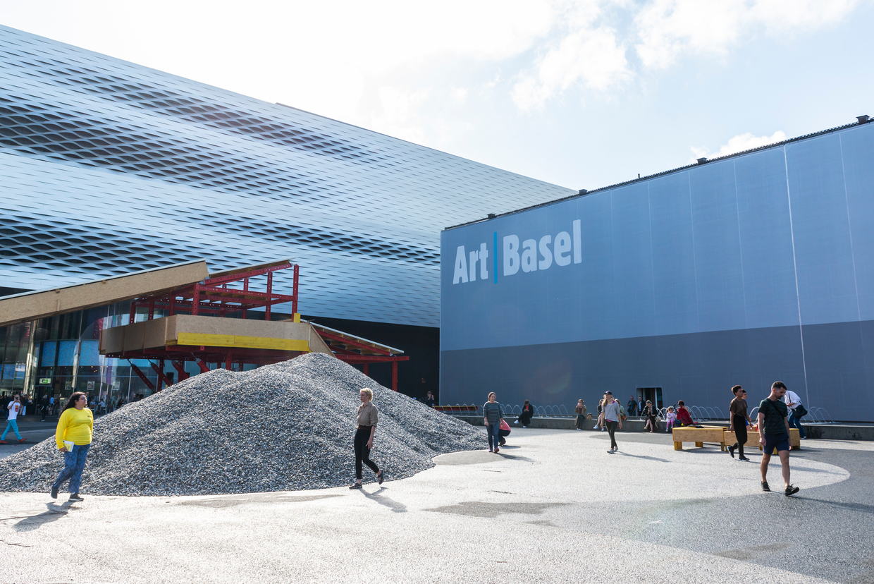 Art Basel – Five Things Everybody's Talking About - This is where the best art in the world is being shown right now, and a lot of these works will find new owners over the next few days. However, the show's organisers also want people to talk about it. And they do! Here are a few samples.