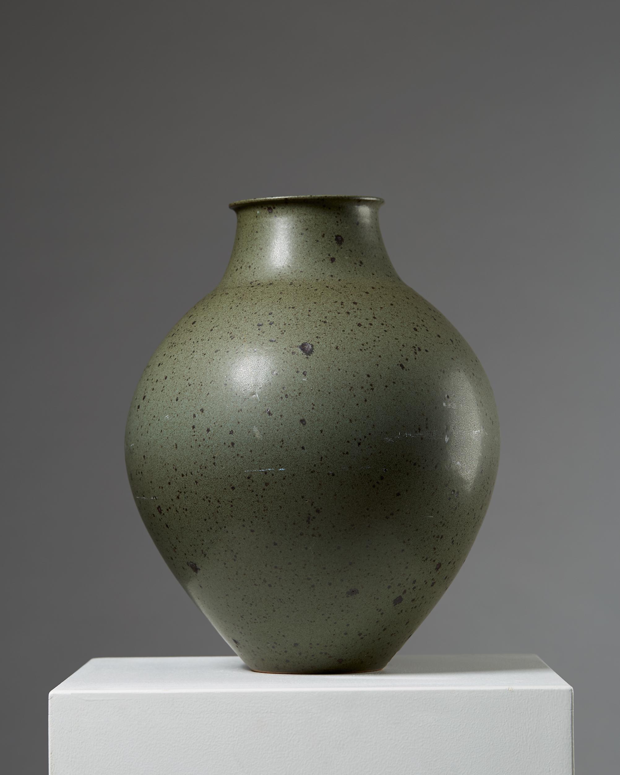 Robert Deblander  Ceramic vessel France, 1950's Stoneware. 37 x 30 cm