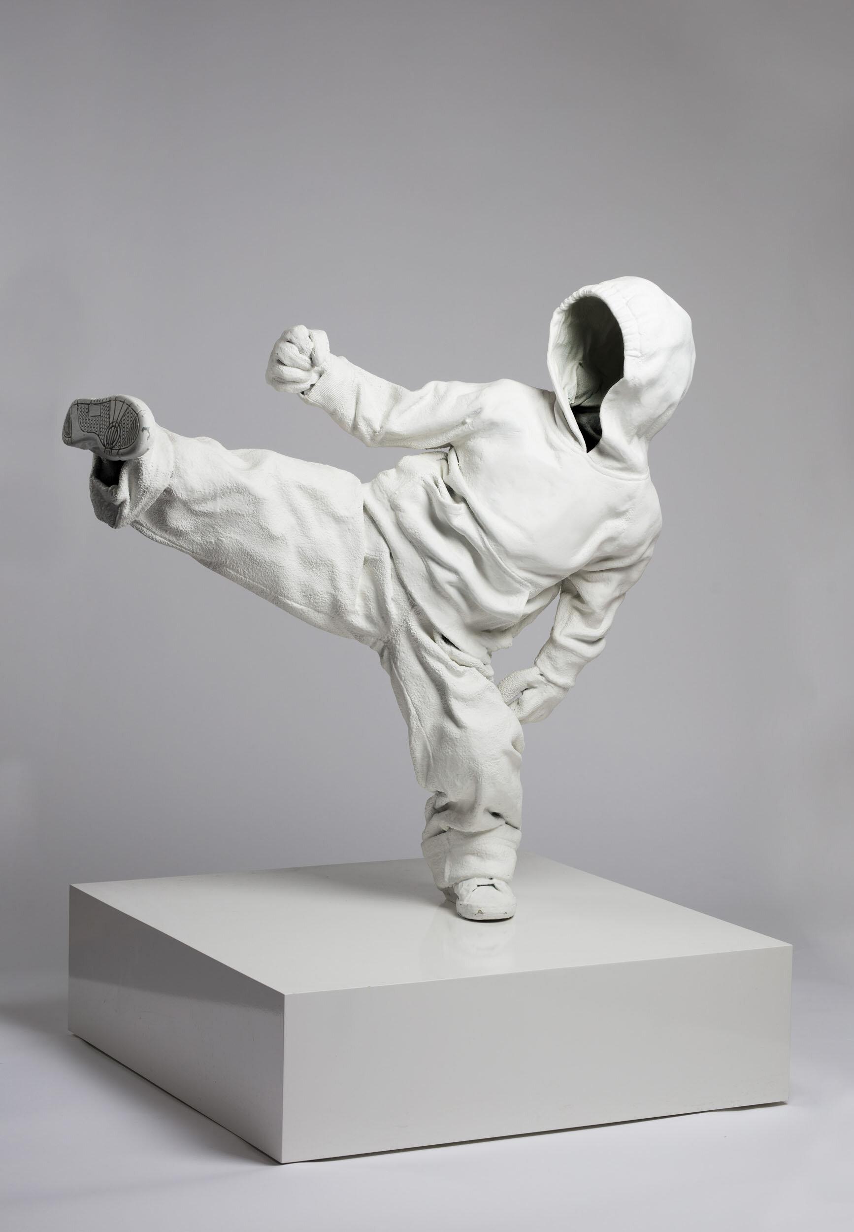 Patrik Svensson   Kompetensutveckling 2  Skulptur Polyester, fleece  Höjd 82 cm, bredd 74 cm